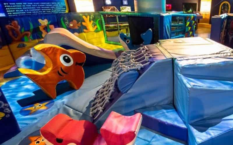 REVIEW The Deep – family fun at one of the UK's largest aquariums 02