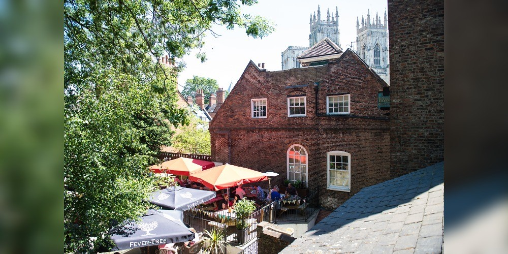 RECOMMENDATION | Top 3 Places to Dine Al Fresco in York 1
