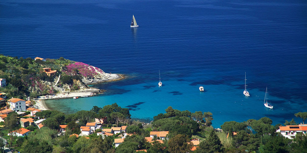 The bay of Sant'Andrea, on the northern coast of Elba