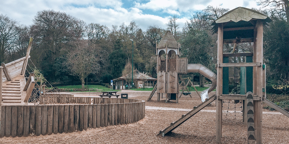 free family-friendly day out in cheshire castle park