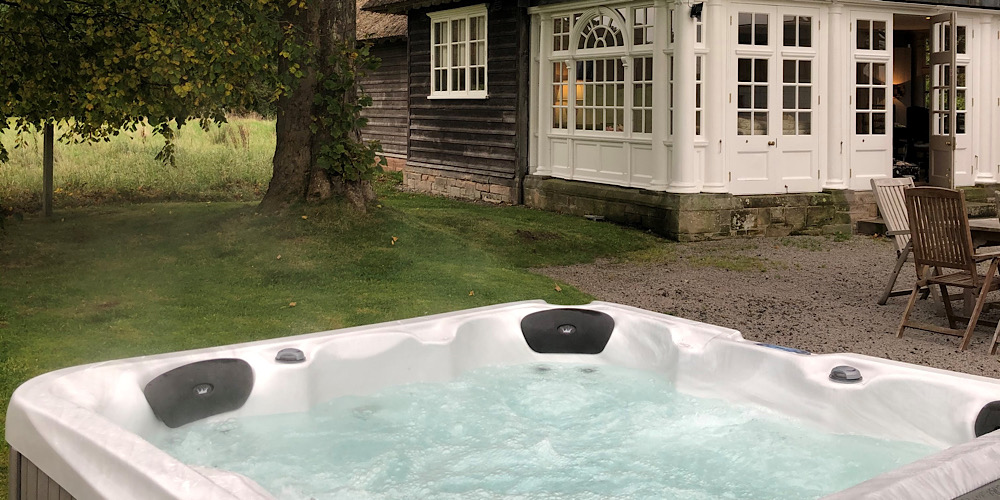 Thornton Manor Hot Tub Cottag