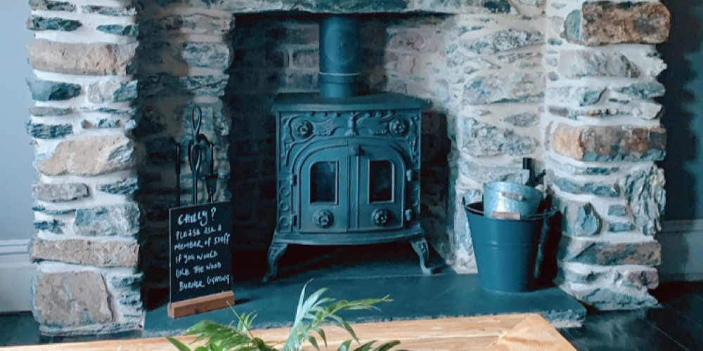 The Rocks Hostel at Plas Curig Cosy Fireplace in Communal Space
