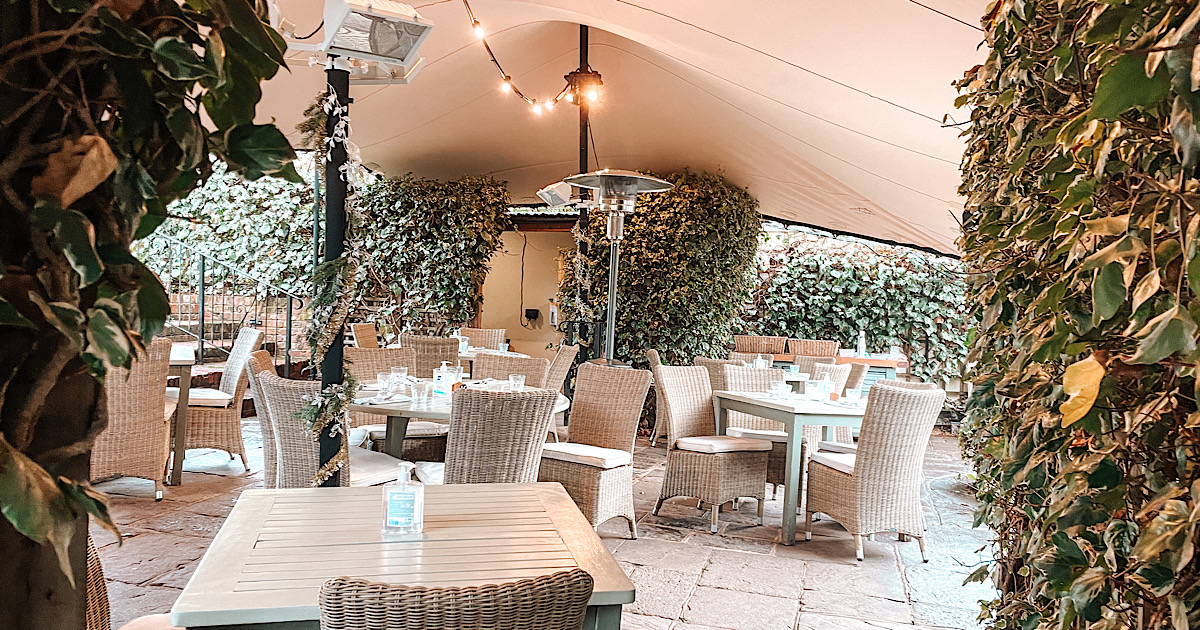 dine out under cover in Surrey
