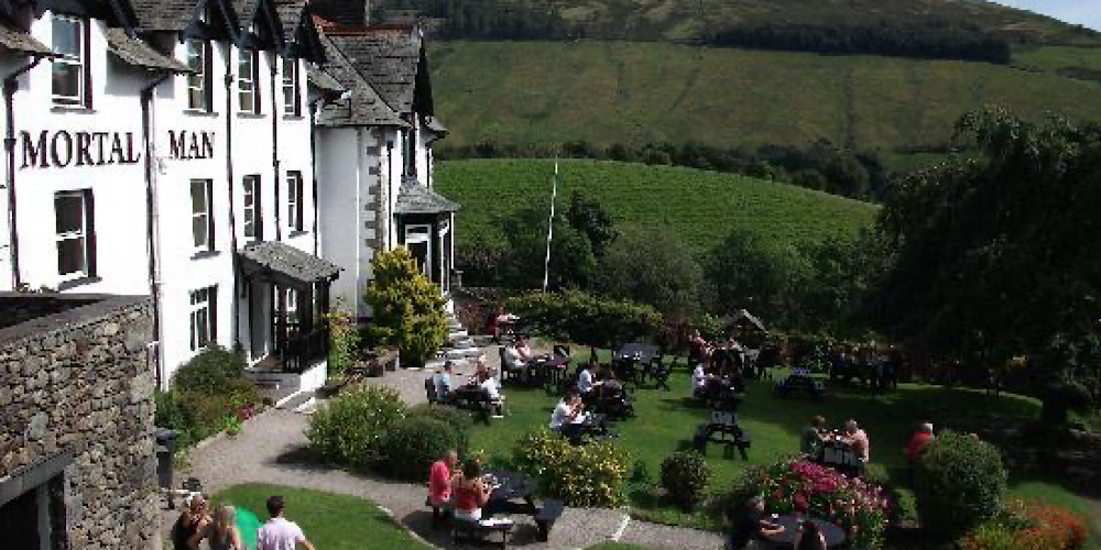 Restaurants with outdoor seating in The Lake District Mortal Man Garden